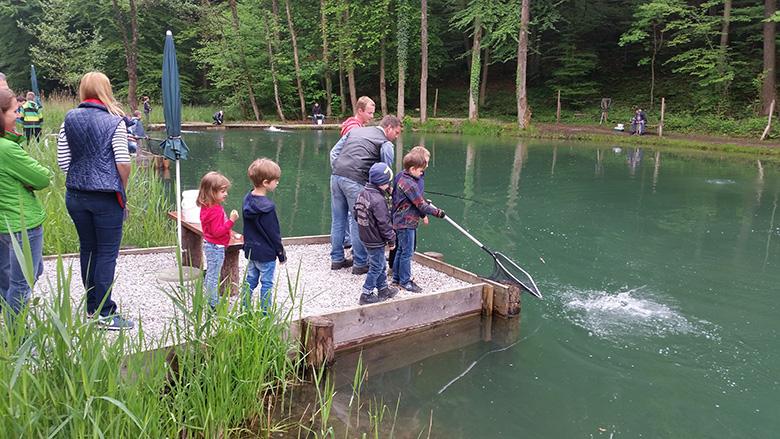 Angelteich Salzburg Kasern – Fischen, Grillen, Chillen